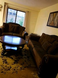 4 piece living room. Hamilton, L9B 2H9