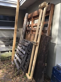 Wood, pallets etc free for anyone Tampa, 33603