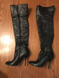 pair of black leather knee high boots Montréal, H4M 0A1