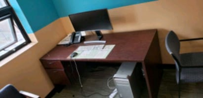 Office table in very good condition
