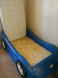 blue Little Tikes car bed frame 53 km
