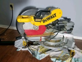 """12"""" dewalt double bevel compound sliding miter saw / stand and clips"""