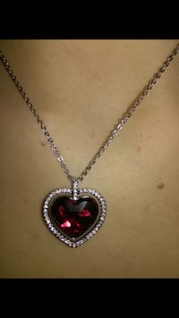 silver-colored heart pendant necklace Mississauga, L5A
