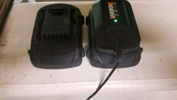 20v battery and charger Worx