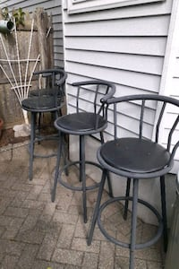 4 outdoor bar stools Long Branch, 07740
