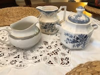 Lot of blue and white creamers/sugar bowl Alexandria, 22311