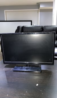 32 inch tv Vaughan, L4H 3G2