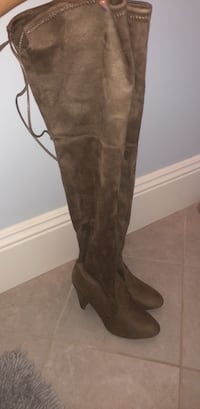 thigh-high boots size 8 never worn  Parkersburg, 26104