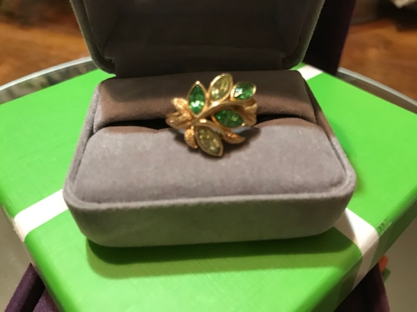 Pretty!! Gold Avon Ring with Green Stones 0