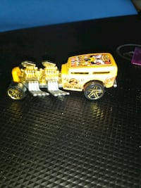 yellow and white truck toy Tampa, 33610