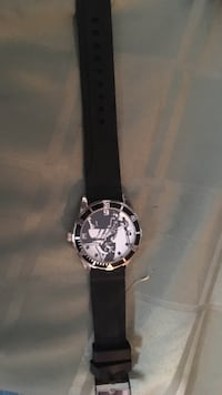Round black leather band white and black analog watch North Kingsville, 44004