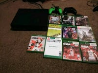 Xbox One500gb console 2 controllers  ten games Hazel Park, 48030