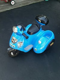blue and black ride on toy - needs a new battery Newmarket, L3Y 1E1
