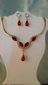 Brand New Austrian Crystal Necklace / Earings Set Las Vegas, 89107