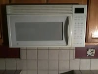 white General Electric microwave oven Chicago, 60641