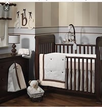 Baby bedding set 6PIECES like new