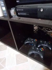 black Xbox 360 console with controller Silver Spring, 20903