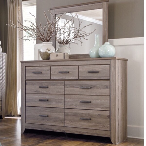 Beautiful bedroom dresser for sale! In like new condition!