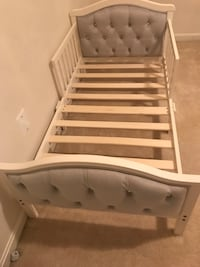 Gray & White toddler bed Annandale, 22003