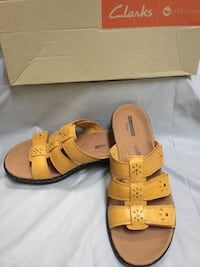 New- leather, adjustable strap size 8 Woodbridge, 22191