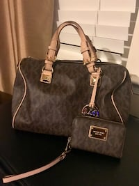 Michael Kors Grayson Large Bag and Wallet Gainesville, 20155