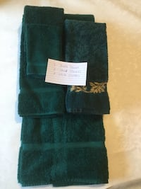 Bath towels; assorted colours & sizes, $10 per set. Mississauga, L5V 1Y8