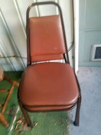 2 metal chairs Pasadena, 77503