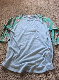 gray and green Nike crew-neck shirt Vallejo, 94591