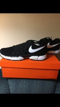 Brand New Men's Nike Shoes Size 12 WIDE Carlisle, 50047