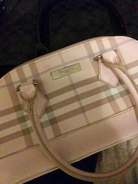 Burberry Purse w/ Matching Wallet Calgary, T2A
