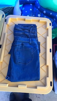 2 pair of jeans-Venus and Lee Lutherville Timonium, 21093