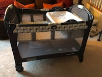 Graco pac n play with bassinet insert Gainesville, 20155