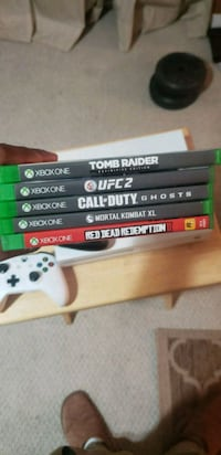 X Box One S - Plus Additional Controller, 5 Games Chicago, 60611
