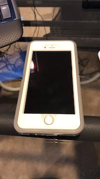 iphone 6 with otterbox case Denver, 80210