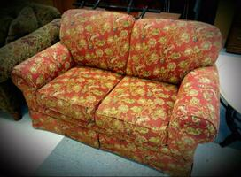 Red & Gold Love Seat