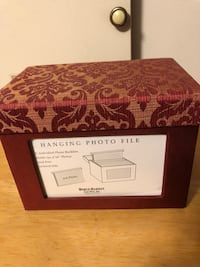 """New-Hanging Photo File, holds 192 4x6"""" Photos, 8 Indiv. Photo Booklets"""