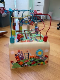 Alex toys busy bead wooden maze - great condition! Toronto, M4M 2J9