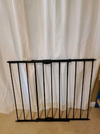 3 easy swing and lock baby gates Gaithersburg, 20886