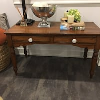 Brown wooden single-drawer console table Vaughan, L0J 1C0