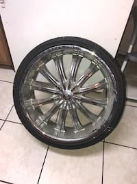 4 chrome multi-spoke car wheel with tire McAllen, 78501