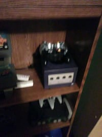 Game cube comes with one game Sonic adventure Richmond, 47374