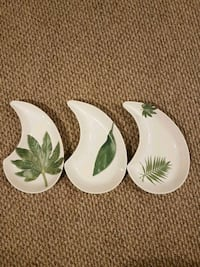 Teardrop Shaped Porcelain Plates (Italy made) Guelph