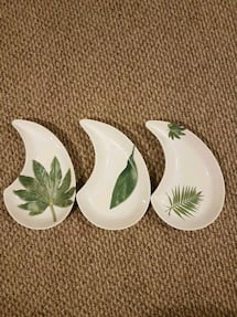 Teardrop Shaped Porcelain Plates (Italy made)
