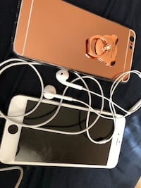 iPhone 6s Plus(For Parts )Headphones & Case Washington