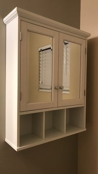 White wooden cabinet with mirror Port Orchard, 98367