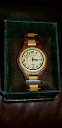 Tense wooden watch Frederick, 21702