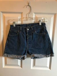 Levi's high waisted denim shorts size 25/26 Toronto, M6H