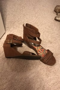 Madden girl shoes size 8