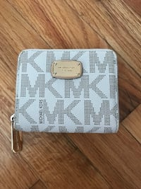 white and gray Michael Kors leather wallet Lakewood, 90713