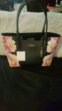 Calvin Klein shoulder bag Surrey, V3R 0X5